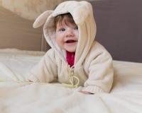 Un pequeño niño hermoso en el traje del animal Fotografía de archivo