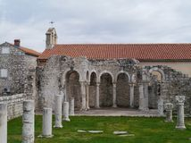 Un permanecer en la ciudad histórica Rab de Croation Fotos de archivo libres de regalías