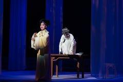 """Un perno del  blanco de Opera""""Madame Snake†del segundo acto-Kunqu azul- Fotos de archivo libres de regalías"""
