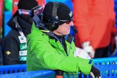 Un personal que trabaja durante el eslalom gigante de Audi FIS el Ski World Cup Women alpino imágenes de archivo libres de regalías