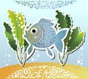 Un pesce blu nel mare ed alghe verdi Immagini del fumetto di vettore con il logo del pizzo Immagini Stock Libere da Diritti