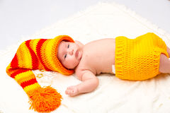 Un petit bébé nouveau-né mignon Photos stock