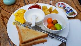 Un petit déjeuner de style occidental photographie stock