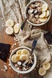 Un petit déjeuner léger de céréale pour un couple Photo stock