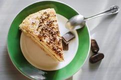 Un pezzo di cioccolato casalingo del cakewith del biscotto spruzza fotografia stock libera da diritti