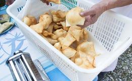Un pezzo di gnocchi fritti italiano Fotografie Stock