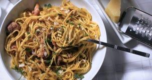 Un piatto delizioso del carbonara degli spaghetti Fotografia Stock Libera da Diritti