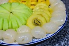 Un piatto della frutta Fotografie Stock Libere da Diritti