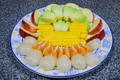 Un piatto della frutta Immagini Stock