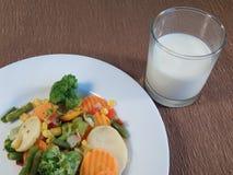Un piatto delle verdure arrostite Fotografie Stock Libere da Diritti