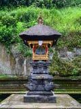 Un piccolo altare al tempio indù in Bali, Indonesia Fotografie Stock