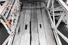 Un piccolo breve ponte di legno Fotografia Stock Libera da Diritti