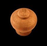 Un piccolo vaso di legno con il coperchio Fotografia Stock Libera da Diritti