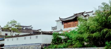Un piccolo villaggio in supporto Huangshan, Cina, è chiamato Hongcun, appena come la bellezza della pittura del paesaggio fotografia stock