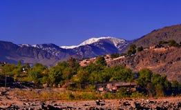 Un piccolo villaggio vicino il pensionante dell'India e del Pakistan Immagini Stock