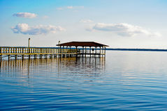Un pilastro nel lago Waccamaw Immagine Stock
