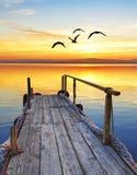 Un pilastro sul lago Fotografia Stock