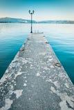 Un pilier par le lac Ohrid, Macédoine Photos libres de droits