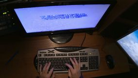 Un pirata informático agrietó el código con los ordenadores almacen de metraje de vídeo