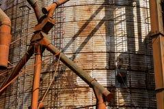 Un plan rapproché d'un réservoir énorme pour le stockage des graines photo stock