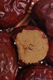 Un plan rapproché des dates rouges Photo libre de droits