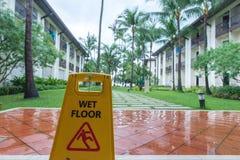 Un plancher humide un jour pluvieux Photographie stock