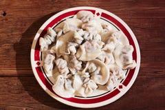 Un plat des boulettes Image stock