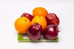 Un plat des fruits Images libres de droits