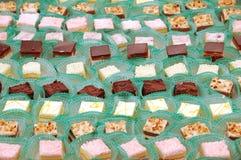 Un plateau des gâteaux Image libre de droits
