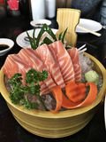 Un plato de Salmon Sashimi Fotografía de archivo libre de regalías