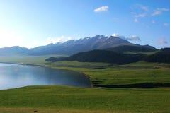 Un poco de lago Sayram Fotos de archivo libres de regalías