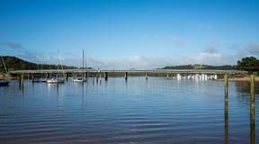 Un pont au-dessus de la rivière de Waitangi à Paihia Images stock