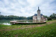Un pont et le château de Horst Image stock