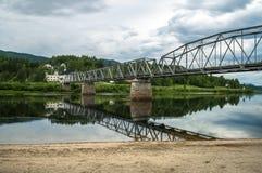 Un pont reliant les côtés Photos libres de droits