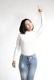 Un portrait de la femme asiatique attirante se dirigeant au copyspace Photographie stock