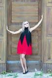 Un portrait gothique de style de mode d'une belle fille blonde Photo stock