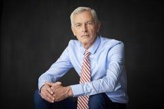 Un portrait supérieur d'homme d'affaires Images stock