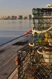 Pot de homard sur le pilier de port Image stock