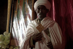 Un prêtre dans Lalibela Photographie stock libre de droits