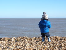 Un premier regard à la mer Image libre de droits