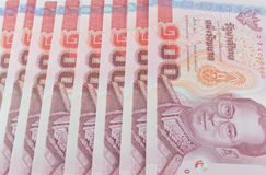 Un prezzo delle banconote della Tailandia di cento isolato su backgr bianco Immagini Stock