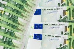 Un primo piano di 100 euro banconote Immagini Stock Libere da Diritti