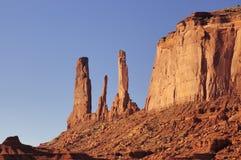 Un primo piano di tre sorelle MESA, valle del monumento fotografie stock