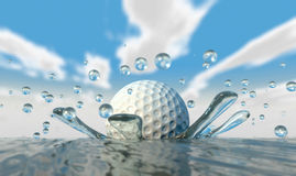 Spruzzata dell'acqua della palla da golf Fotografia Stock Libera da Diritti