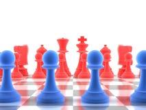 Un projectile de plan rapproché d'un ensemble de pièces d'échecs Images libres de droits