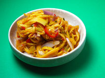Un prsentation di un piatto locale, Kerabu Mangga dell'alimento Immagini Stock