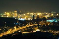 Un puente cerca del estado industrial de la isla de Jurong Imágenes de archivo libres de regalías