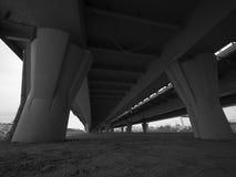 Un puente concreto para los coches Imagen de archivo