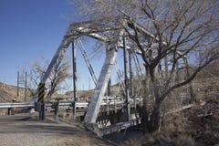 Un puente de acero viejo fotografía de archivo