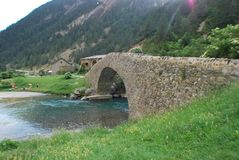 Un puente en la trayectoria Imagen de archivo